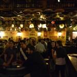 L'intérieur d'un bar Délirium en sous-sol
